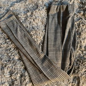 Stretchy and comfy gingham COTTON:ON pants